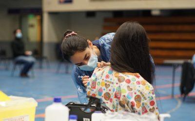 8 Centros de Vacunación comienzan hoy inmunización en Puerto Montt y 15 en sectores rurales